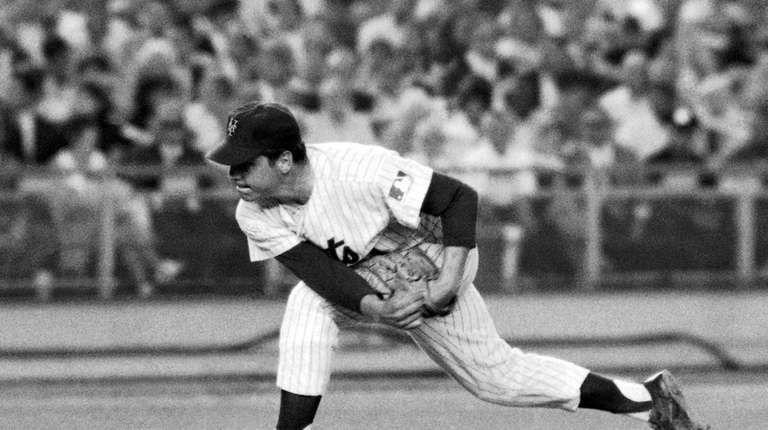 New York Mets pitcher Tom Seaver makes a