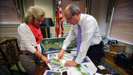 Glen Cove Mayor Mayor Ralph Suozzi with Kelly
