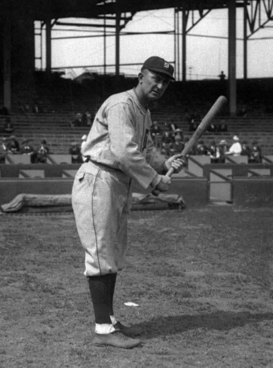 TY COBB, Detroit Tigers Hit streak: 35 games