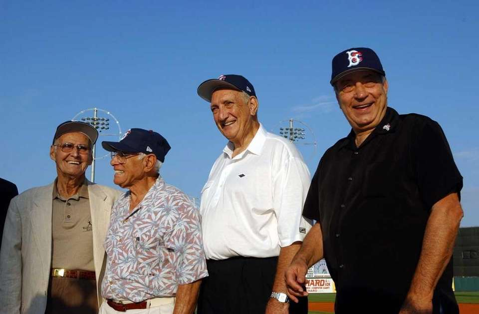 TOMMY HOLMES, Boston Braves (Far left) Hit streak: