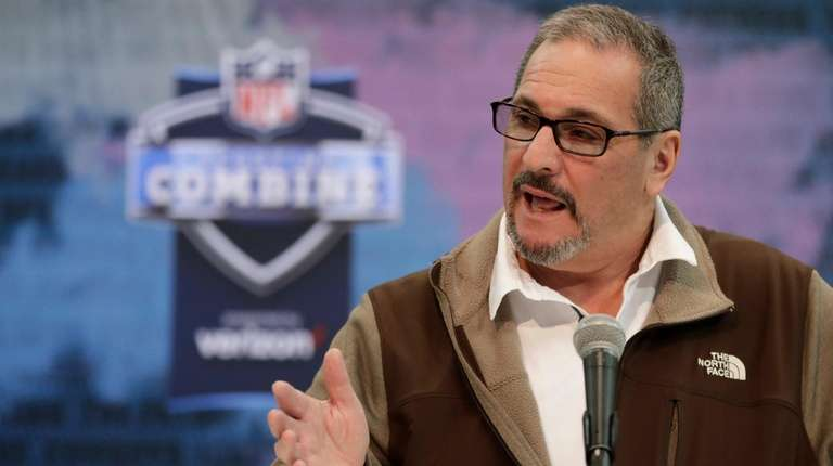 Giants general manager Dave Gettleman speaks during a