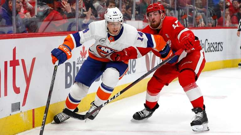 Islanders Lament Missed Scoring Chances After Loss To Red Wings