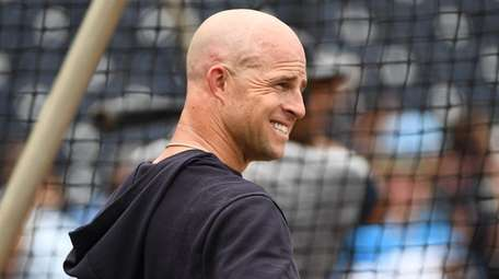 Yankees outielder Brett Gardner takes batting practice during
