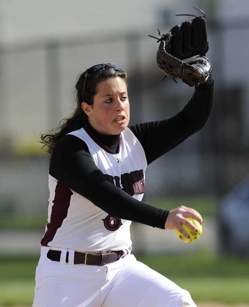 Deer Park pitcher Lisa Bonacasa delivers against Kings