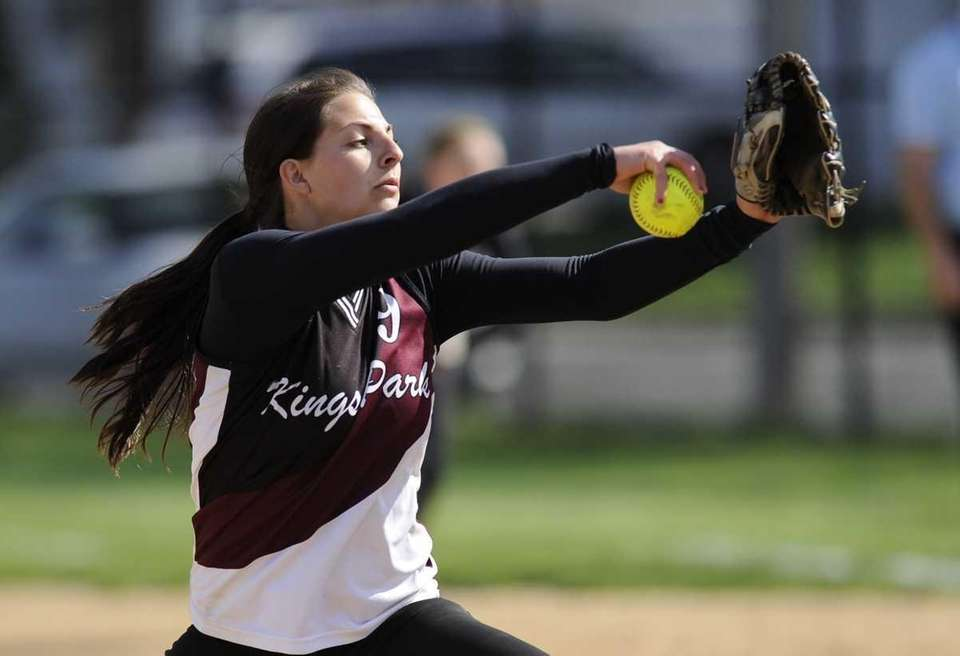 Kings Park pitcher Lindsay Taylor delivers to the