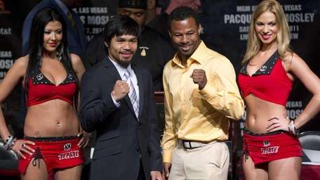 Manny Pacquiao, second from left, and Shane Mosley,
