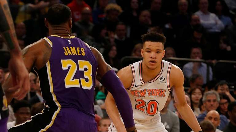 18c9776b89d Knicks rally to beat LeBron s Lakers