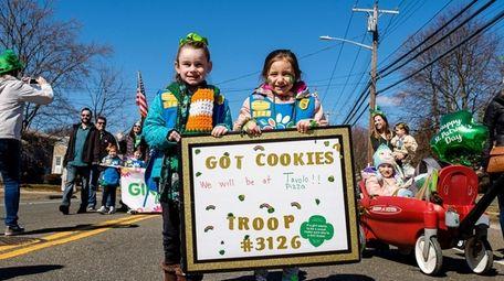 Allie McKeefrey, 5, left, and Kennedy Dunn, 6,