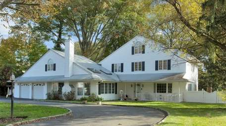 This Roslyn Heights Colonial, for $1.575 million, includes