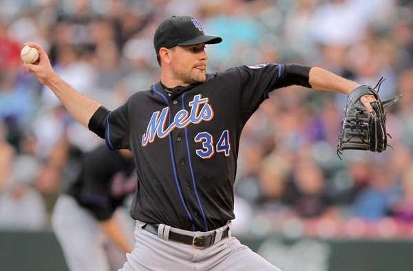 Starting pitcher Mike Pelfrey #34 of the New