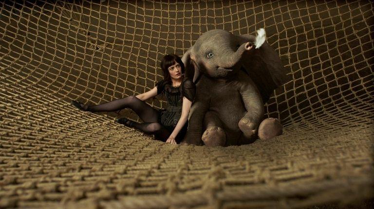 """In Tim Burton's """"Dumbo,""""  aerialist Colette"""