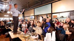 Former Texas congressman Beto O'Rourke speaks to local