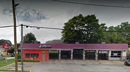 The Baldwin Jiffy Lube at 598 Merrick Rd.