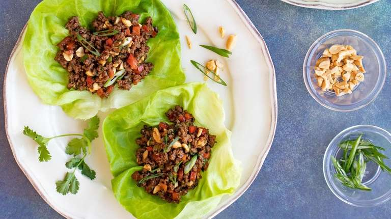 Hoisin-flavored ground beef with peanuts and vegetables fills