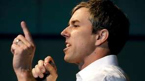 Democratic presidential candidate Beto O'Rourke speaks at an