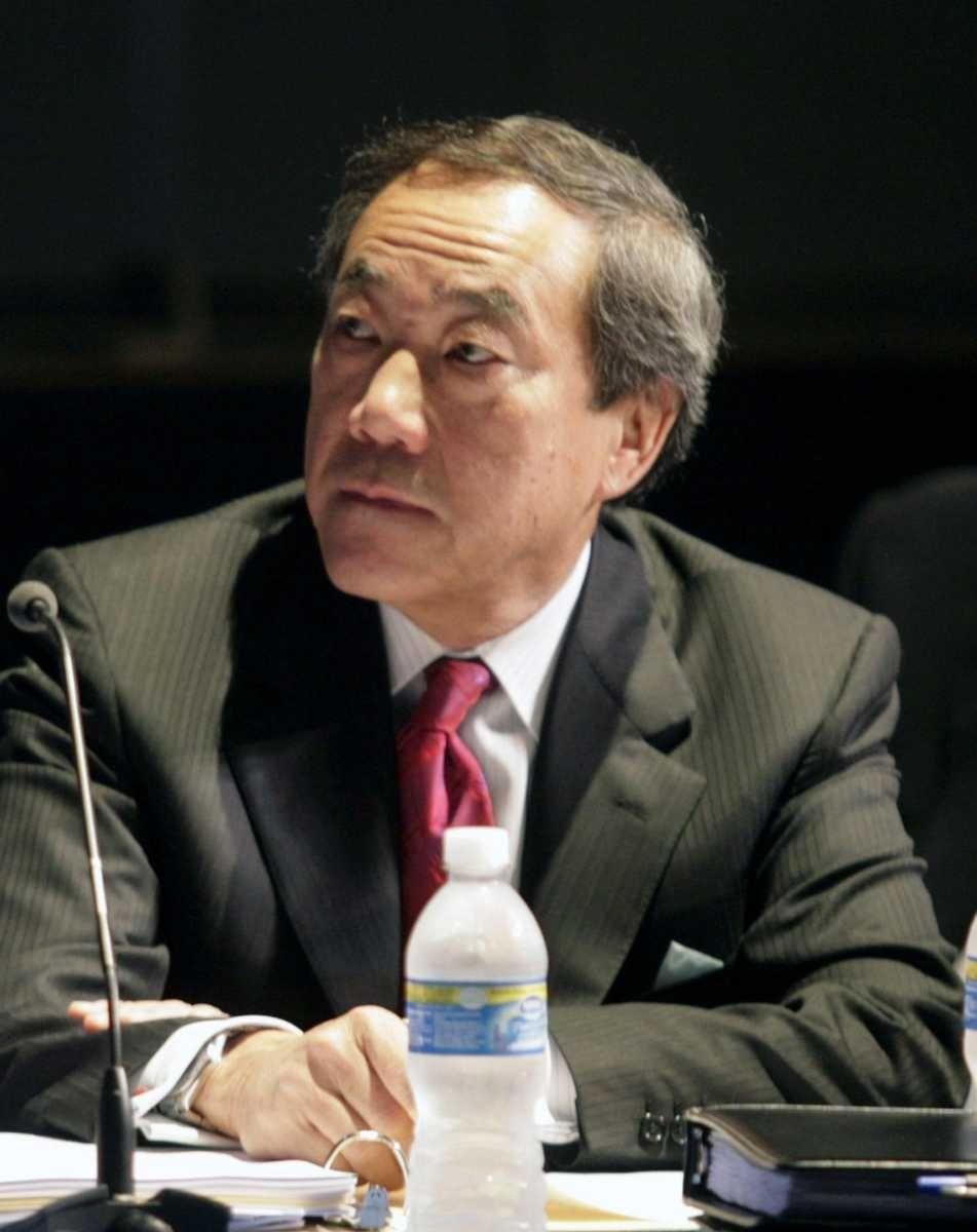 September 22, 2009 Charles Wang speaks to the