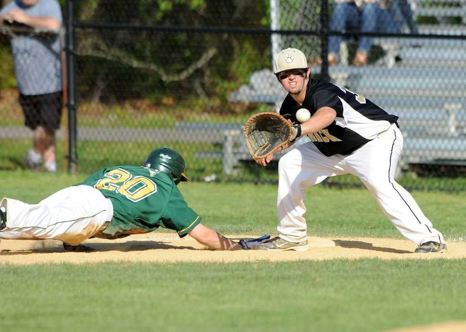 Ward Melville's Alex Morhaim dives back to first