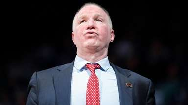St. John's head coach Chris Mullin reacts during