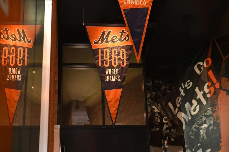 A New York Mets 1969 World Series Champs