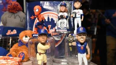2019 New York Mets promotional bobble heads are