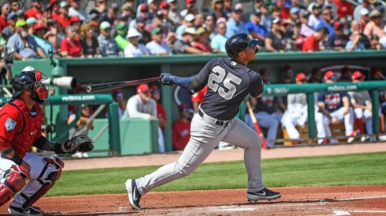 New York Yankees Gleyber Torres knocks a home