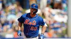 Pete Alonso of the Mets rounds the bases
