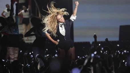 Beyoncé performs onstage during one of the final