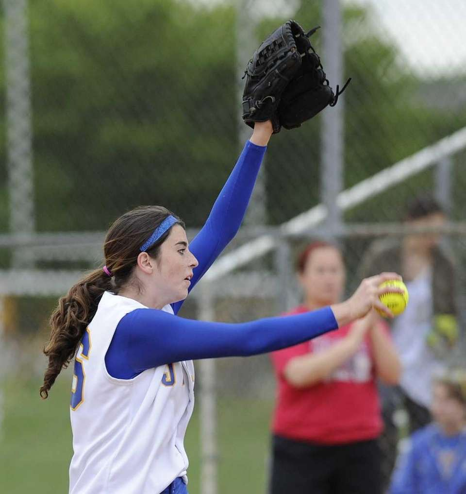 East Meadow pitcher Kerrie Shapiro delivers to the