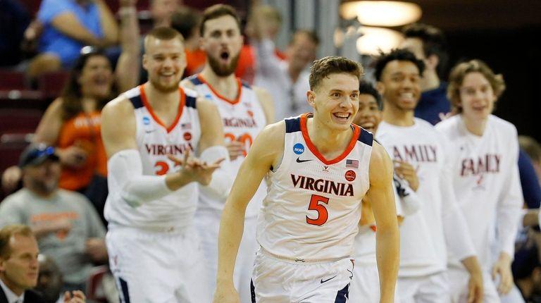 Kyle Guy #5 of the Virginia Cavaliers celebrates