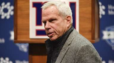 Giants chairman and executive vice president Steve Tisch