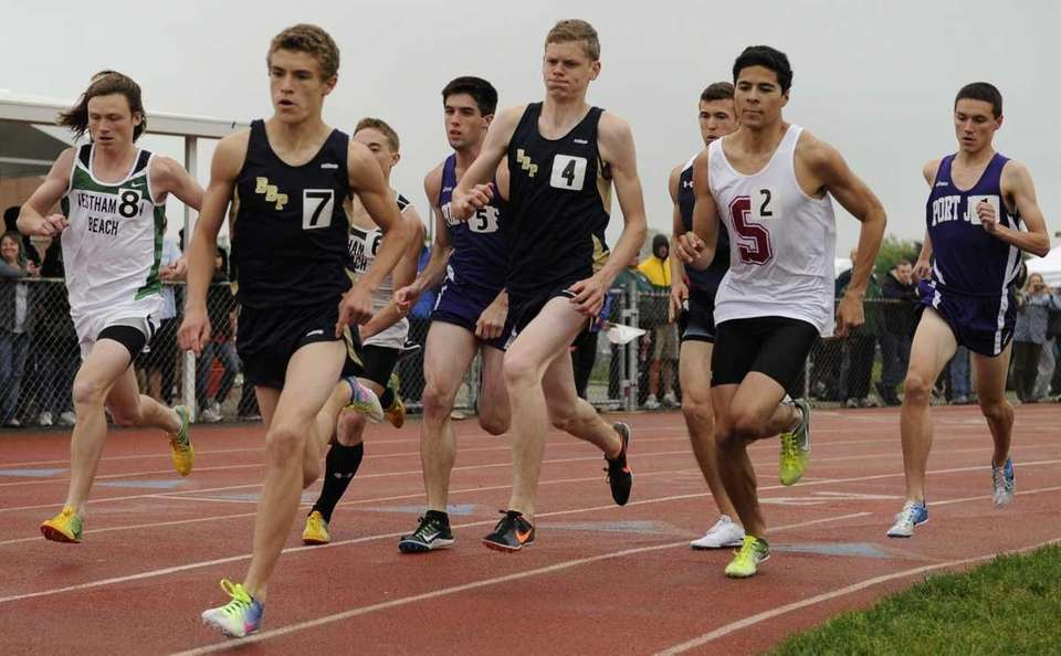 Runners compete in the Division III 800-meter championship