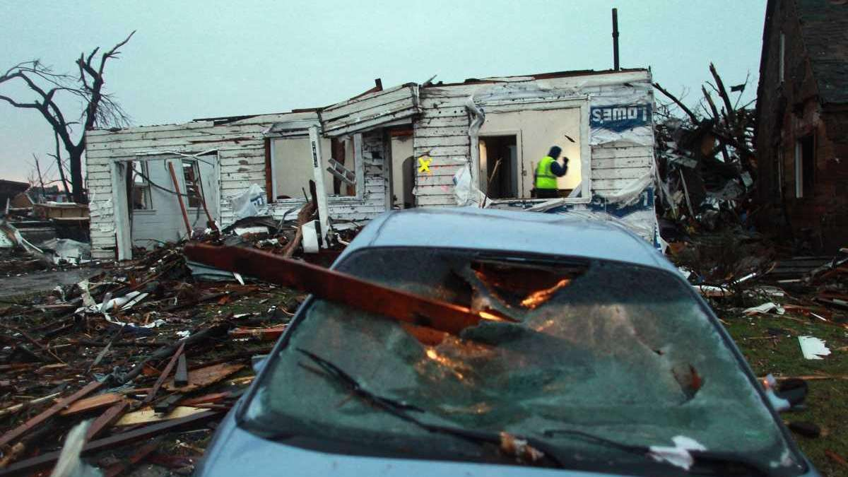 tornado dead body pictures - 1280×719