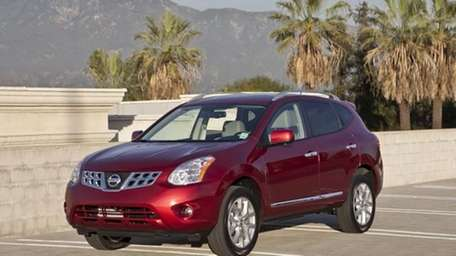 2011 nissan rogue good ride quality poor visibility newsday 2011 nissan rogue good ride quality