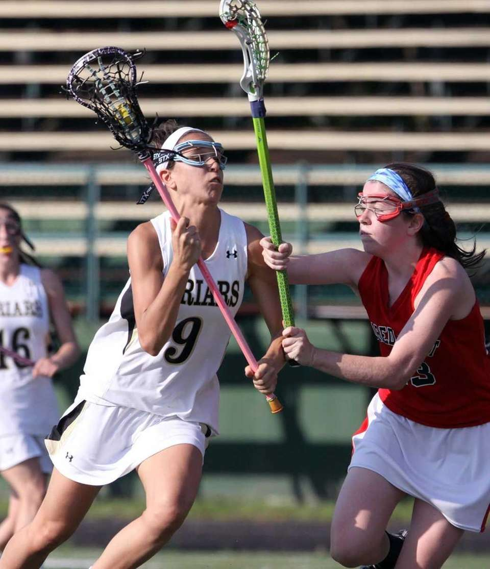 St. Anthony's Casey Madden gets around Sacred Heart's