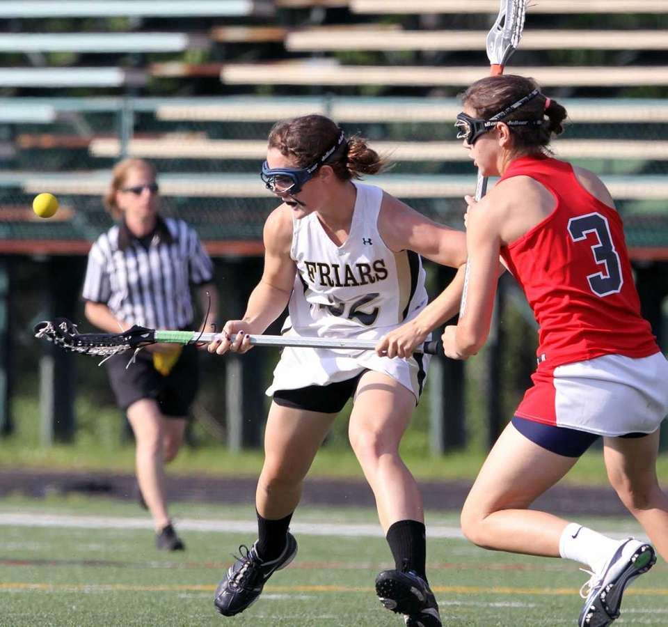 St. Anthony's Maggie Bill looks to keep control