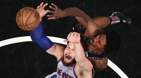 Blake Griffin of the Detroit Pistons and Ed