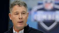 Giants coach Pat Shurmur speaks Wednesday at the