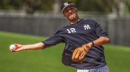 Yankees shortstop Troy Tulowitzki during spring training workouts