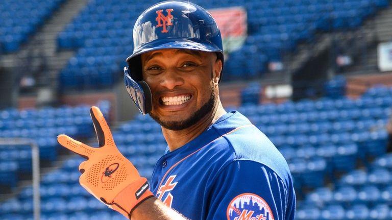 Mets second baseman Robinson Cano.