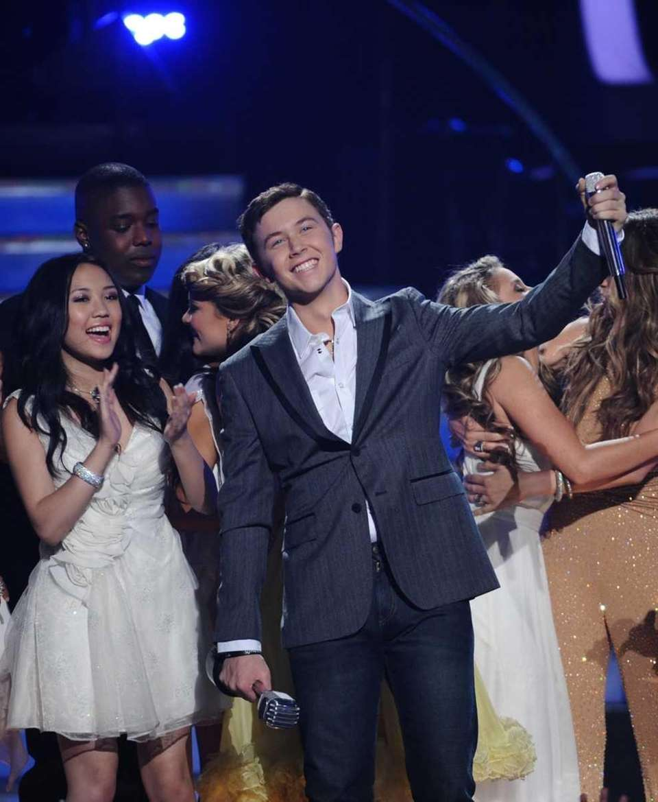 Scotty McCreery learns that he is the winner