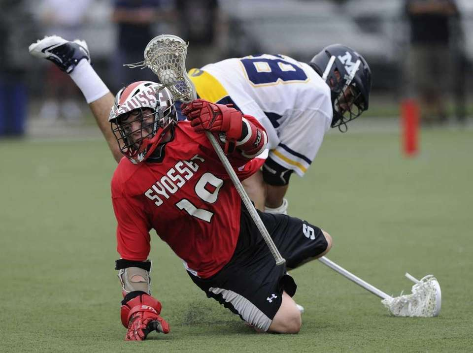 Syosset's John Diaz controls the ball on the