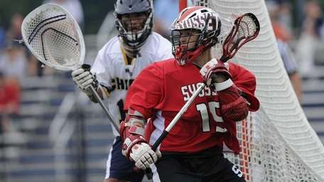 Syosset's Ryan Hunter is about to turn to
