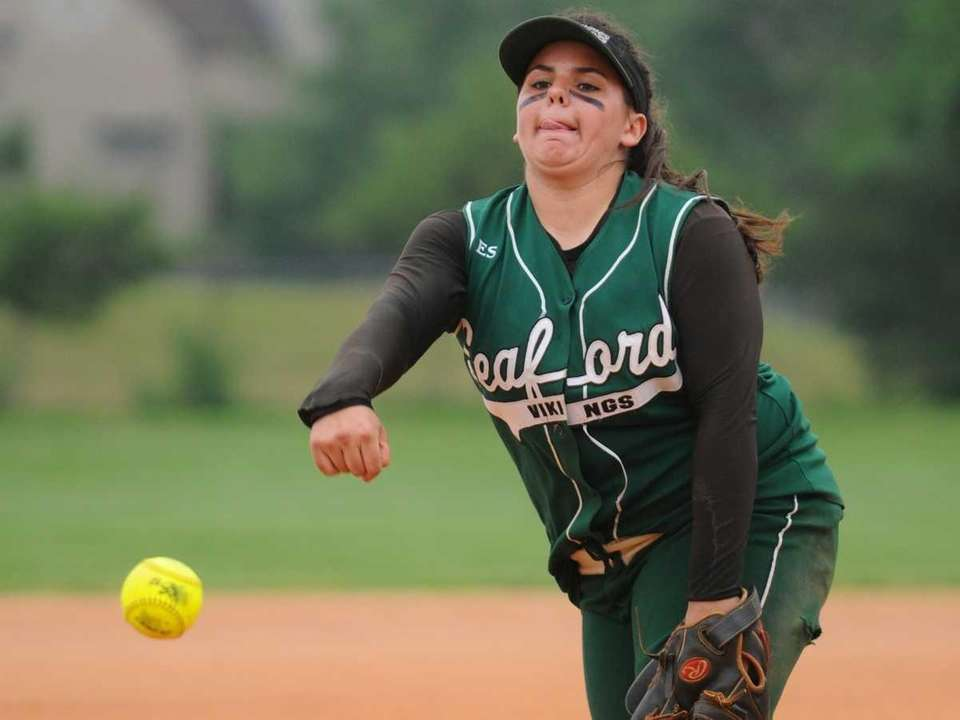 Seaford High School pitcher #25 Lindsay Montemarano delivers