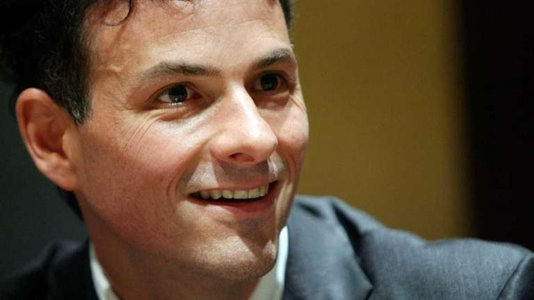 David Einhorn at a news conference in France.