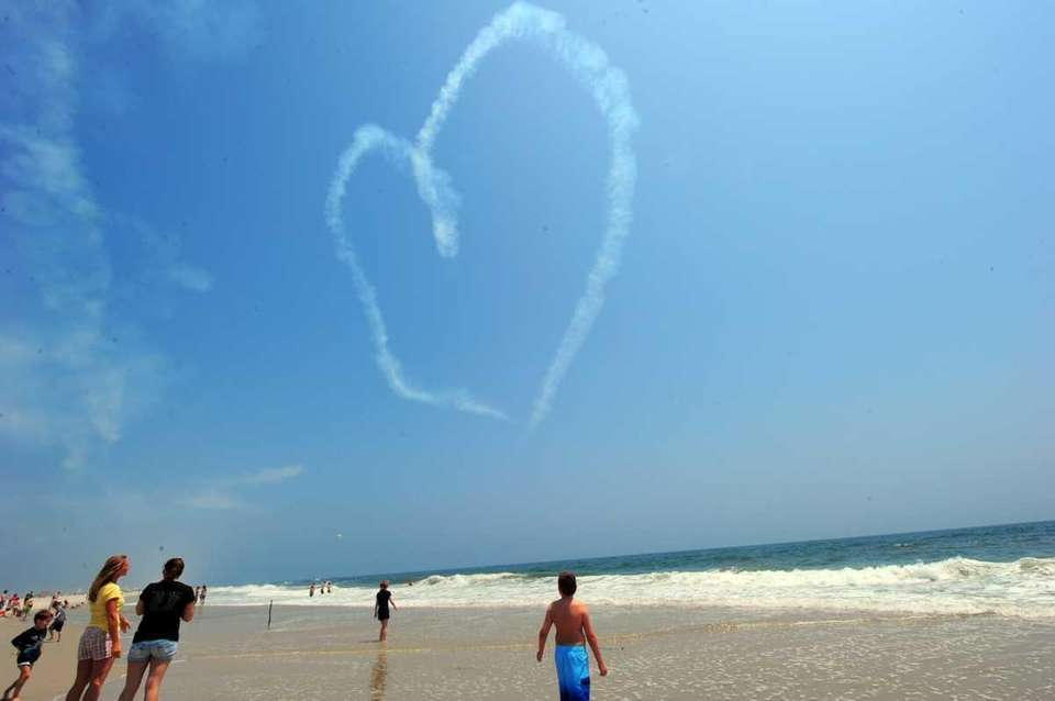 Aerobatic pilots show their love for the sport
