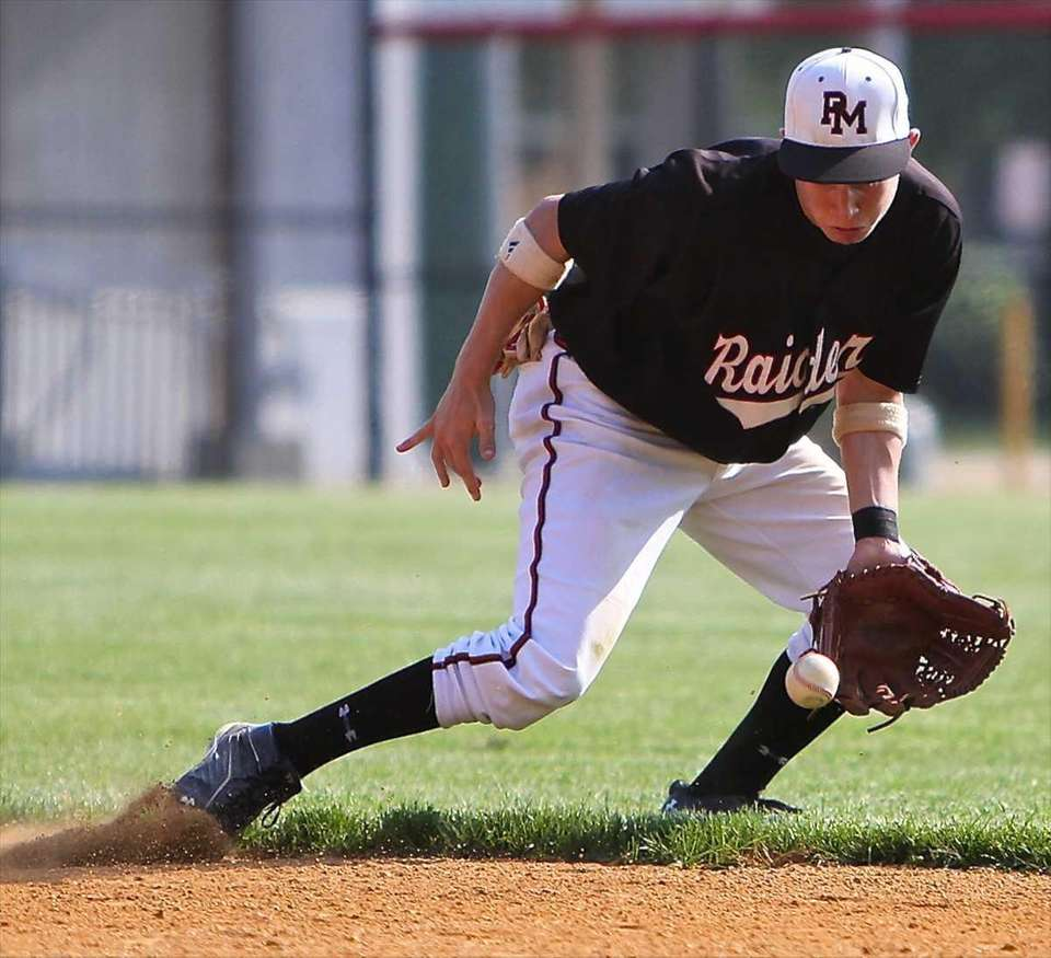 Pat-Med second baseman Brian Cioffi #13 can't get