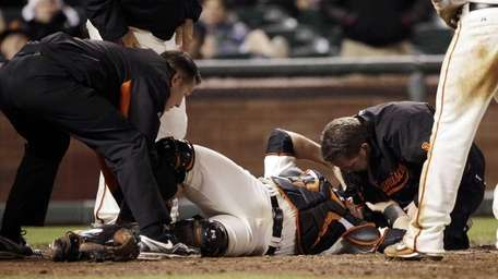 San Francisco Giants catcher Buster Posey (28) is