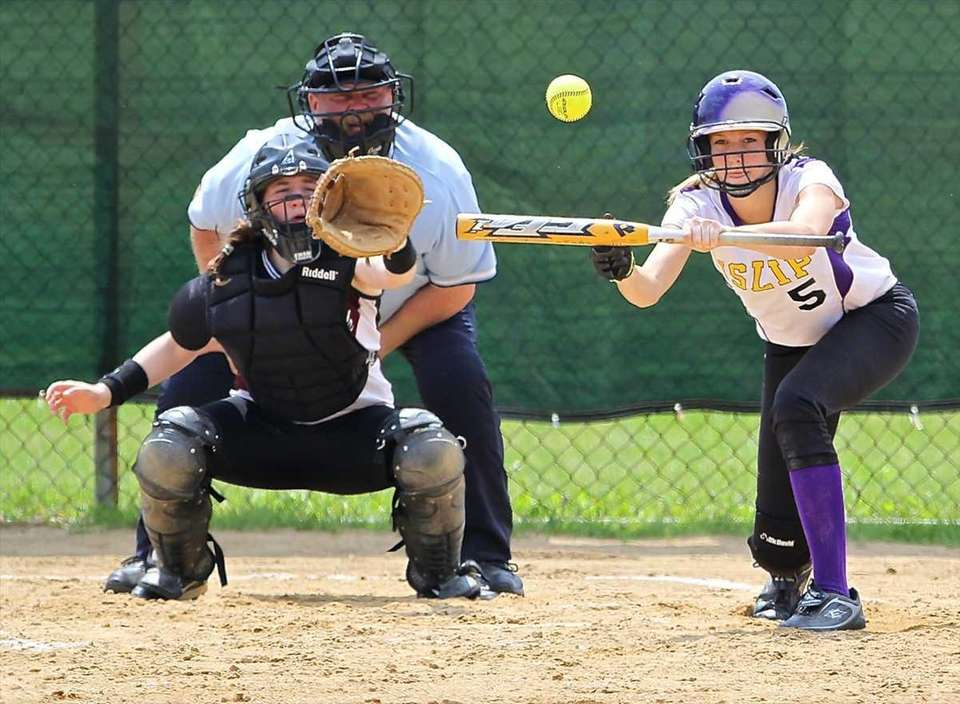 Islip's Kayla Kurka #5, squares to bunt against