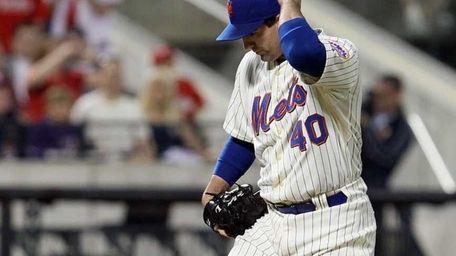 Tim Byrdak #40 of the New York Mets