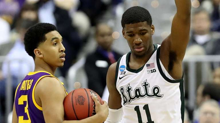 183e28b90d062e Aaron Henry spurs Michigan State to breezy win over LSU